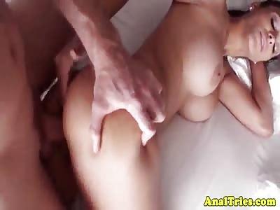 Meet Jasmine Caro