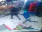 Thief tries to grab off duty cop's gun is killed