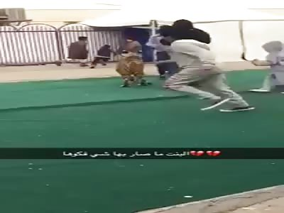 TIGER ATTACKS LITTLE GIRL