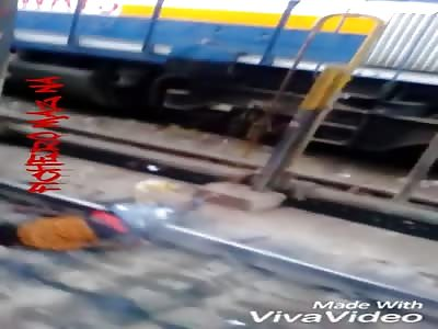 Man dies Electrocuted on railway tracks