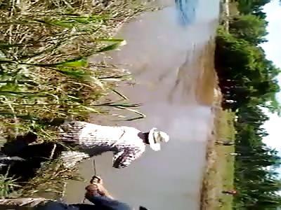 Mexican takes cadaver to crocodile