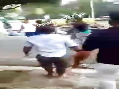 THIEF IS BEATEN BY STEALING A PORTFOLIO