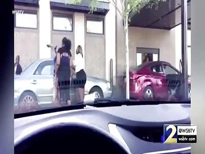 4 beautiful ladies fight at a drive thru one pulls a gun