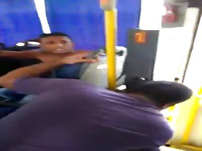 Thief beaten passengers on bus with toy gun