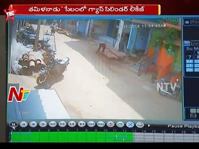 4 People Injured and Vehicles Destroyed as Gas Cylinder Leak in Tamil Nadu