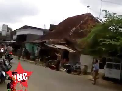 Lunatic kills man in thailand