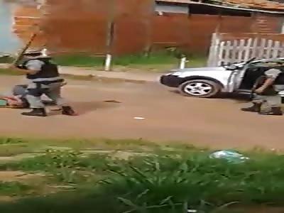 (Repost) Police giving corrective in robbers in Brazil