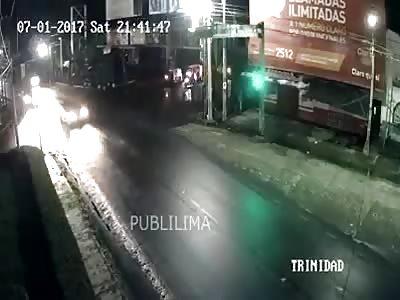 Drunk motorcyclist breaks his neck on a car