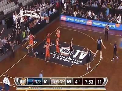 Basketball player gets an eye