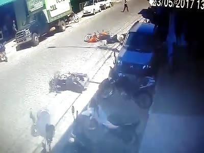 (Repost) BIKE CRASH PEOPLE INJURED