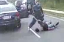 Black Guy vs White Guy Road Rage Brawl on Busy Street