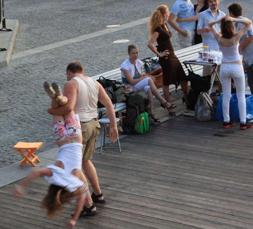 Dude Beats His Hot Girlfriend on Public Boardwalk....Throws Her Like a Ragdoll