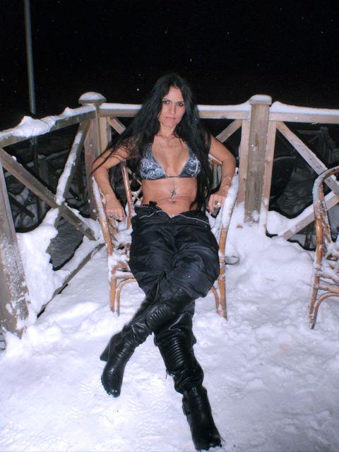 Freaky MILF Like Sex in the Snow...WHOA