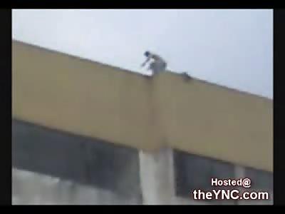 Man jumps to his Death in Santo Domingo
