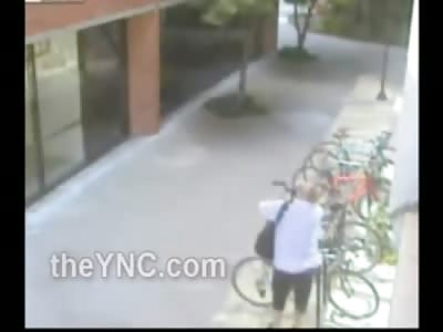 Petite Female Attacks Bike Thief on the Street.... Owns Him