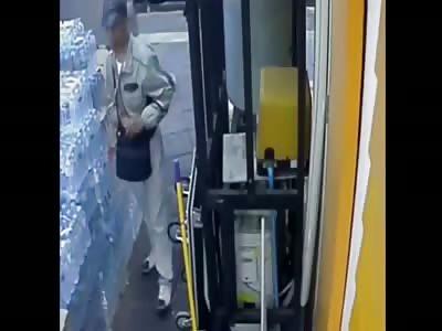 Guy who threw grenade during Bangkok protest caught on CCTV  (Thailand Blast)