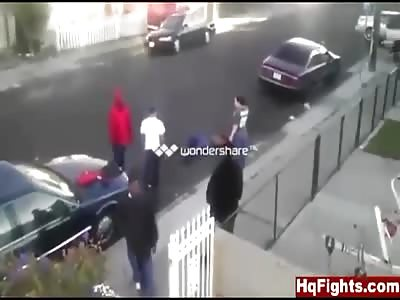 White Guy Knocks Black Guy The Fuck Out!