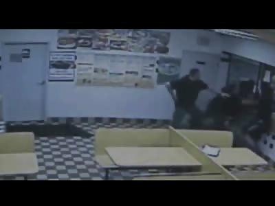 2 Men Fight Off Detroit Police inside a Restaurant