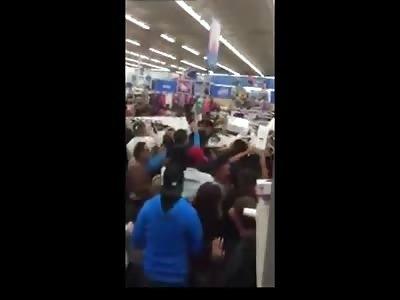 Black Friday chaos in Texas WalMart 2015