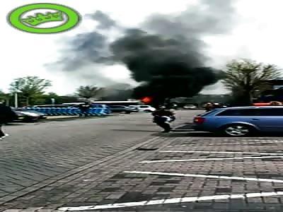 A van selling fish explodes