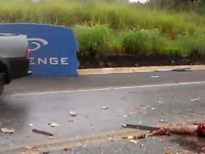 acidente entre onibus e carreta