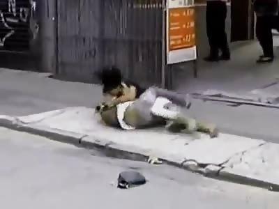*Brazil* Shemale beats, kicks and bites disrespectful guy