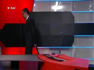 Armed intruder demanding airtime - Netherlands