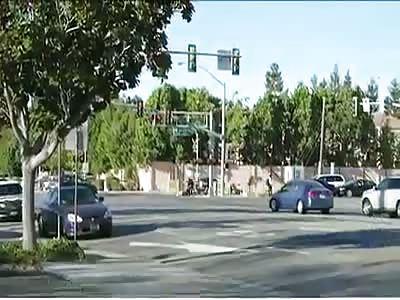 DEPUTY PULLS DRIVER FROM CAR BEFORE CALLTRAIN HITS VEHICLE