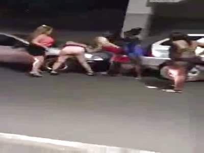 Model/Escort knife street fight in 4vs1 Guayaquil, Ecuador